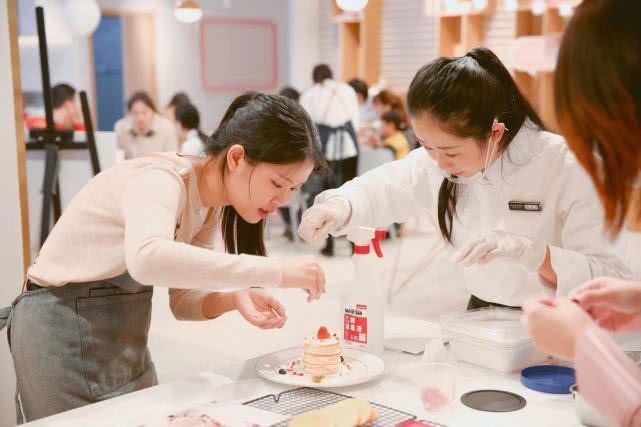 日日煮西南区最大美食生活体验馆落地重庆